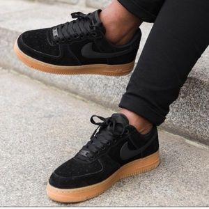 Nike Women Black Suede Air Force '07